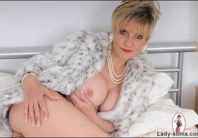 Lady-Sonia